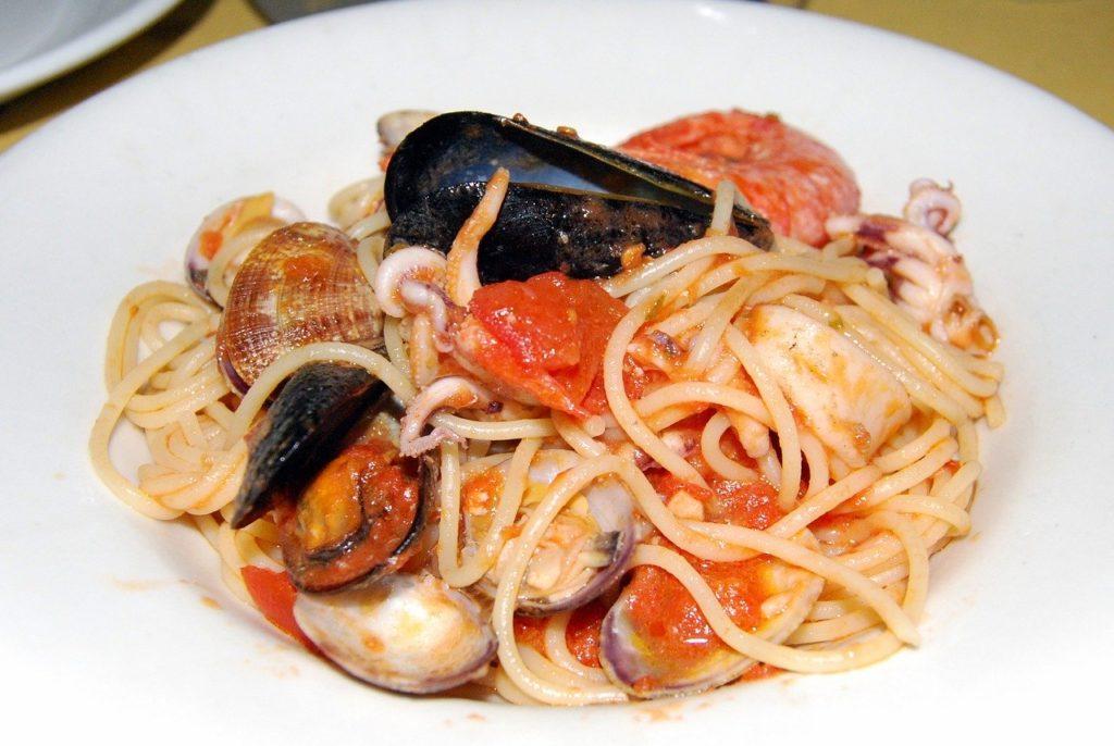 Spaghetti allo scoglio makaron